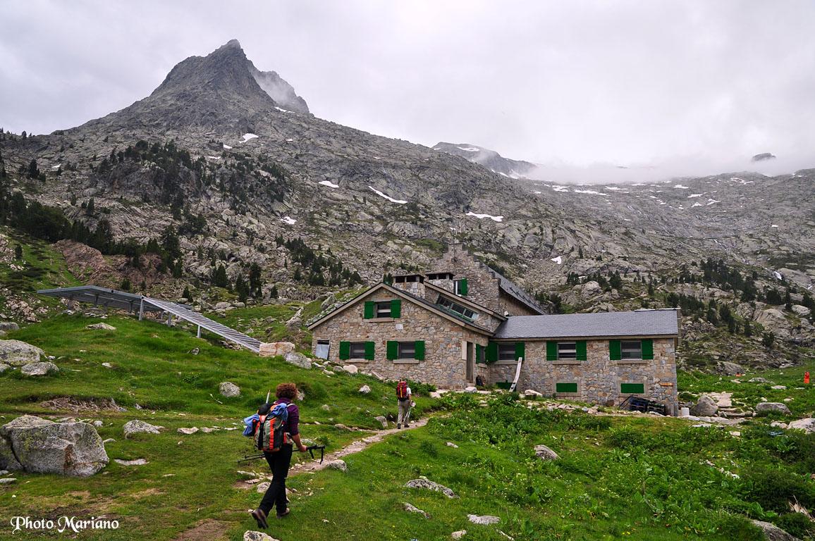 Refuge de la rencluse 2140m les topos pyr n es par mariano - Le refuge des 3 ours ...