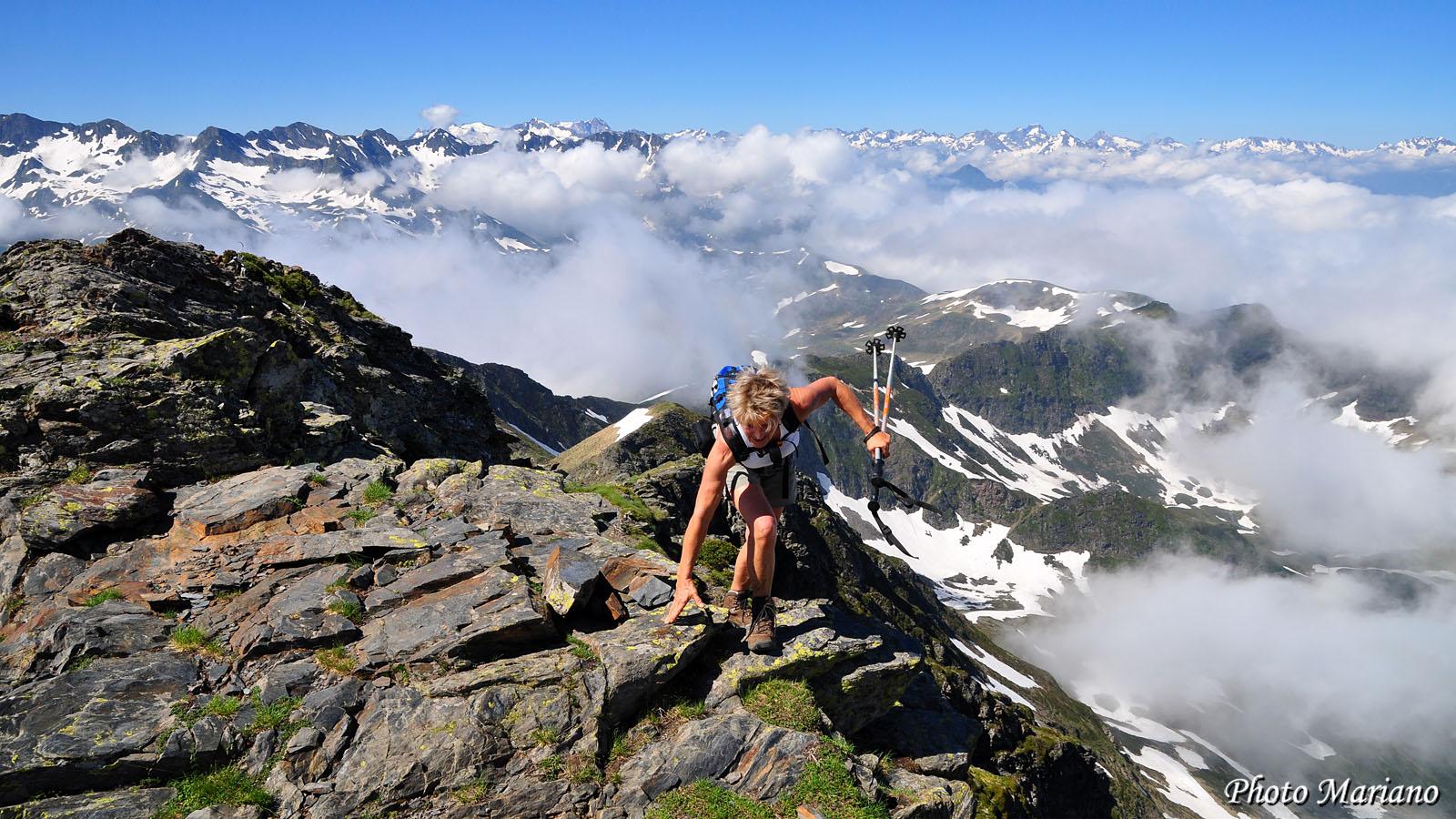 Randonnée Pic de Montaigu 2339m par les crêtes depuis Hautacam (2013)