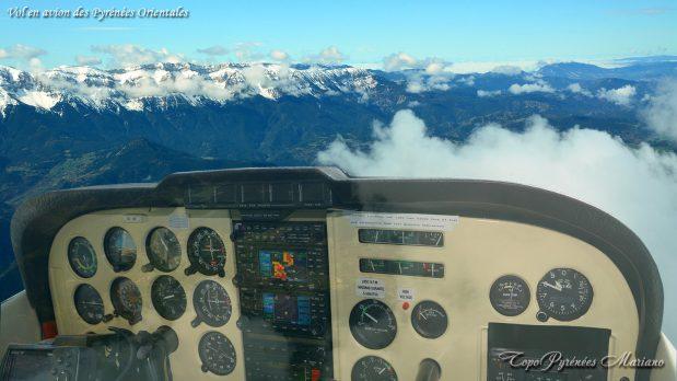 Vol-en-Avion-des-Pyrenees-Orientales_000