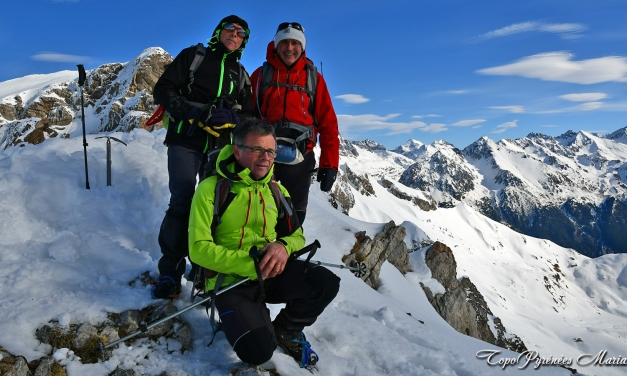 Raquettes Pic de Peyrelue (2441m) en boucle par le Pourtalet