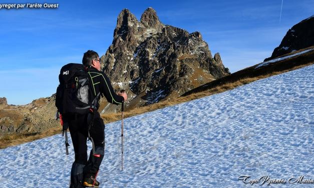 Sortie hivernale au Pic de Peyreget (2487m) par l'arête Ouest