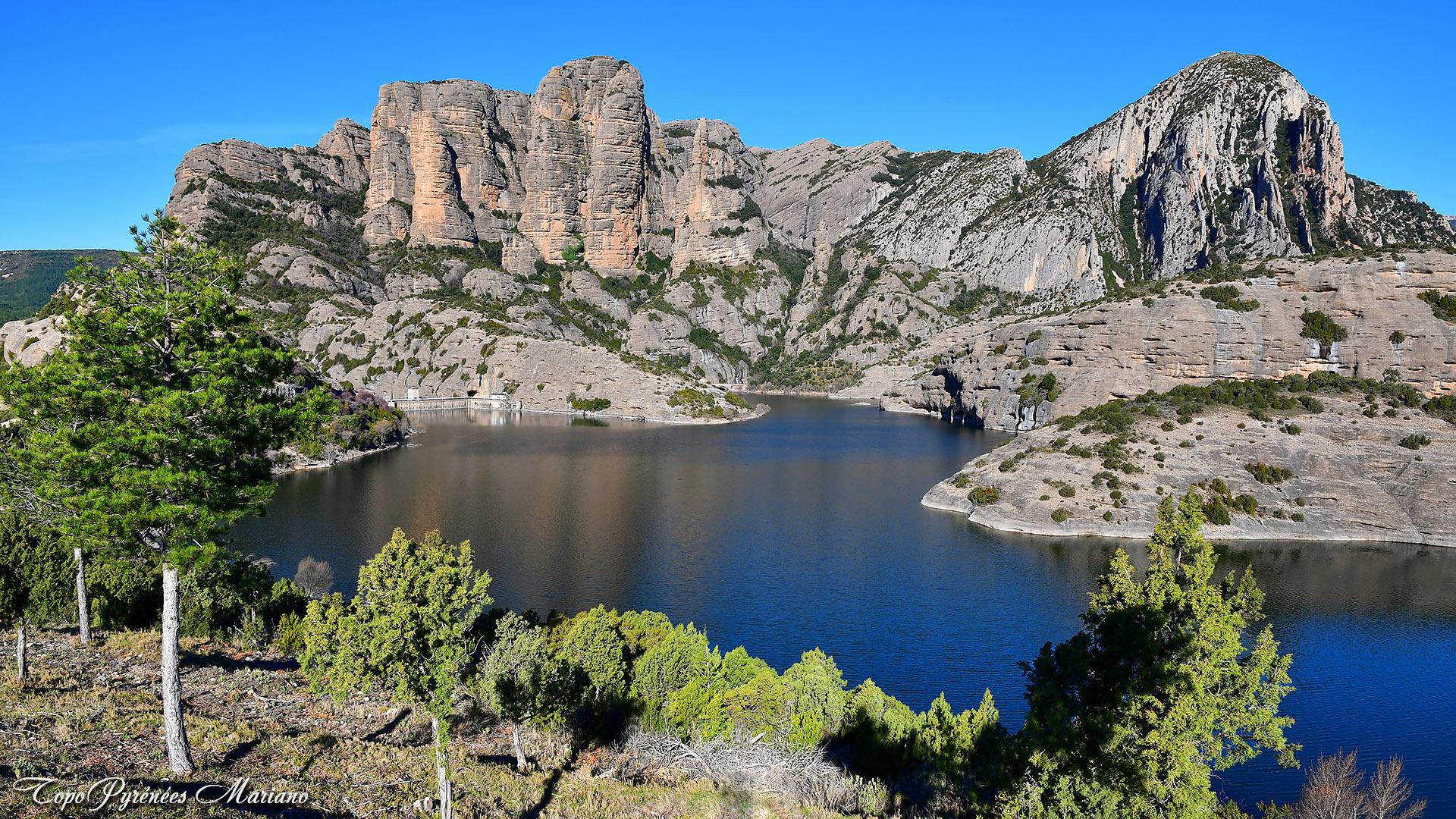 Vidéo photos du barrage de Vadiello y los Mallos de Ligüerri