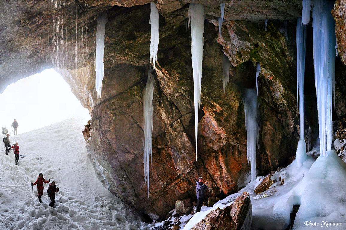 Randonnée Gruta helada de Lecherines 2064m