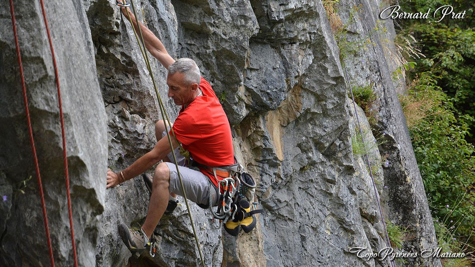 Stage d'escalade en falaise à Beaudéan